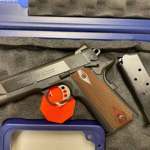 Colt lightweight commander 1911